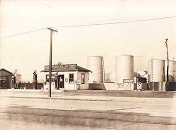 Radio Oil Co., Inc. Was Founded In 1922 In Worcester, MA With An Oil Storage  Plant And A U201cfillinu0027u201d Station Located At 207 Grafton Street.